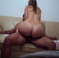 Mãe e filho em casa assistindo filme acaba em sexo xvideos de sexo amador