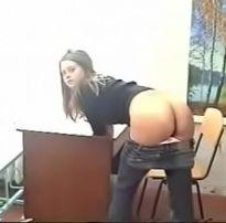 Sexo real na escola com professora e aluna gostosa