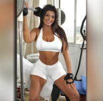 Morena gostosa treinando sem calcinha – brazilian sex