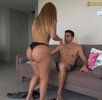 Coroa rabuda trasando com seu cunhado na sala xvideos de sexo amador