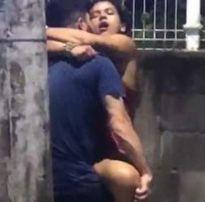 Morena delicia transando bêbada no meio da rua caiu na net