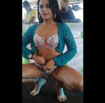 Casada perdeu a linha na festa e levou dedada no polco – brazilian sex