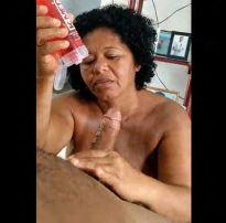 Minha sogra pediu para bater uma pra mim – brazilian sex